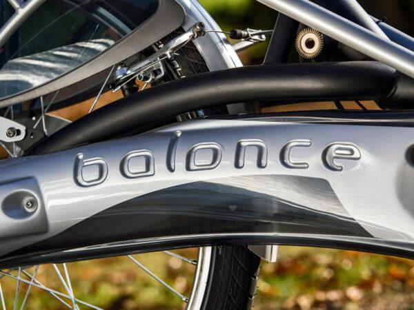 Bici Balance de paso bajo con dos pies en el suelo sin bajarse