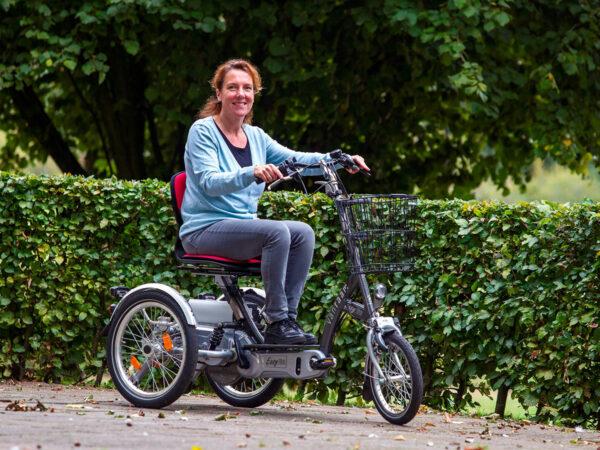 Bicicleta Easy Go compacta tipo scooter de movilidad eléctrica, para personas con problemas de estabilidad